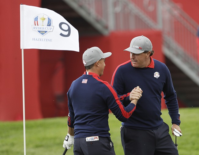 U.S. starts Ryder Cup with rare session sweep