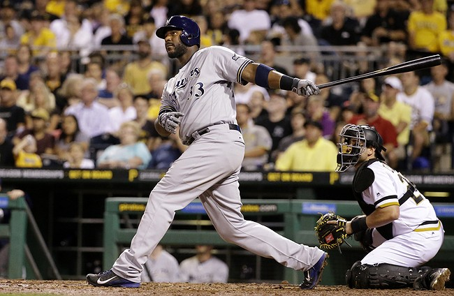 Brewers sign former Jay Eric Thames to contract