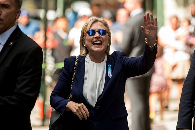 Hillary Clinton's health scare, pneumonia diagnosis fuel speculation of cover-up