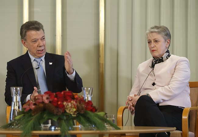 Santos will Travel to Norway to be Awarded the Nobel Peace Prize