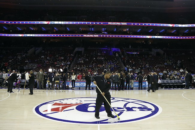 Wet Floor Postpones Sacramento Kings Game Against Philadelphia 76ers