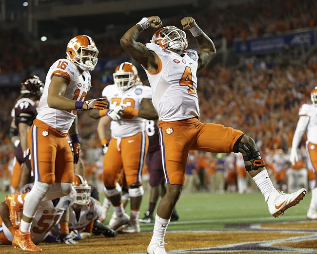 Clemson's Watson beats out Louisville's Jackson for QB award