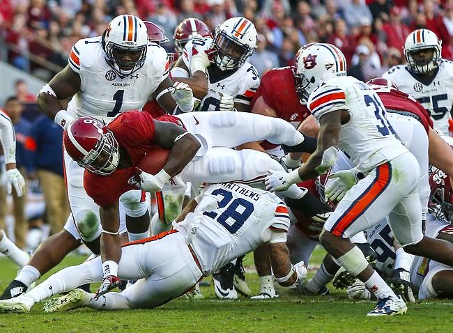 Alabama won't be denied undefeated regular season, beating Auburn