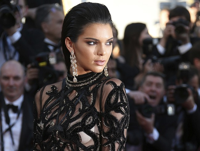Kendall Jenner leaves Instagram and the Internet loses its mind