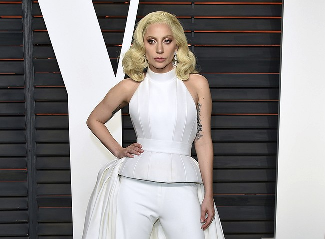 Lady Gaga to Launch Dive Bar Mini-Tour