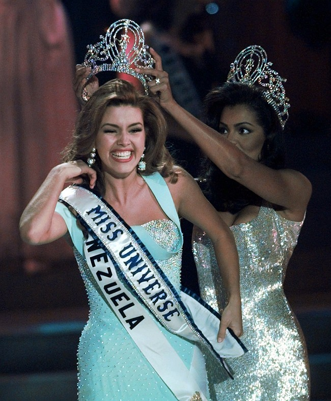 Trump, without evidence, claims he 'saved' Miss Universe's job