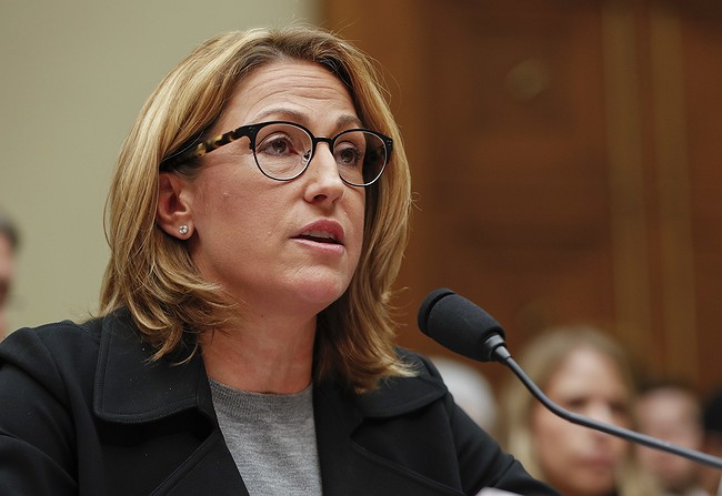 Mylan Head Defends Epipen Price Gouging in Capitol Hearing