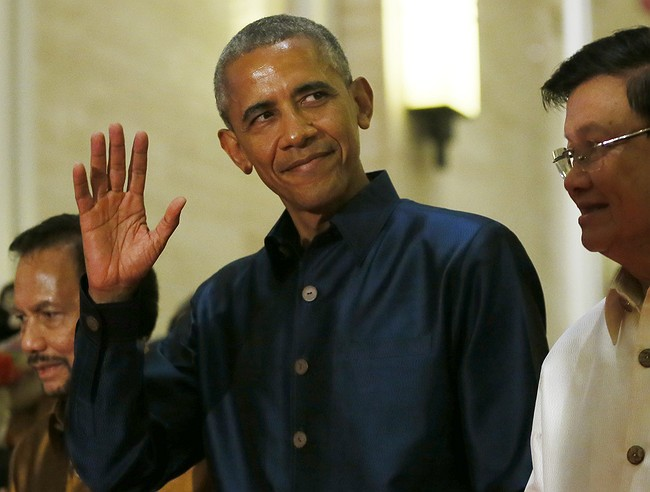 Obama, Duterte meet despite Filipino leader's crude language