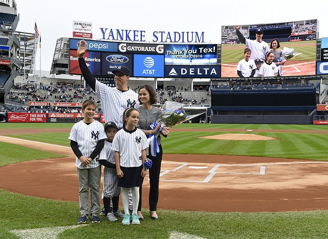 Yankees honor Teixeira, fall 5-2 to Orioles