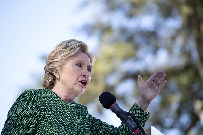 Clinton encourages early voting in Raleigh