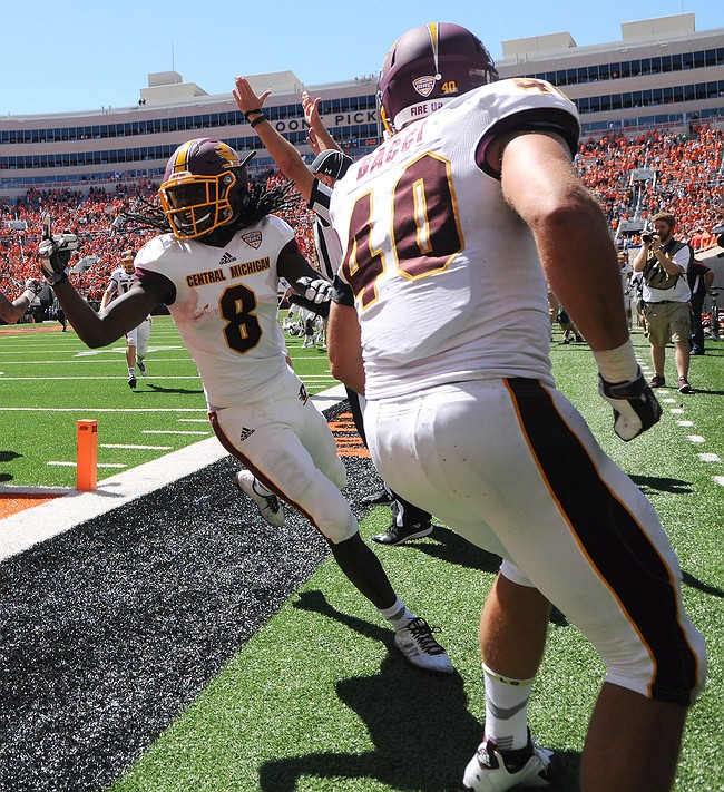 Oklahoma State out of AP Top 25 after controversial loss