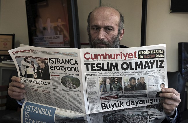 Turkish opposition paper won't give in after detentions