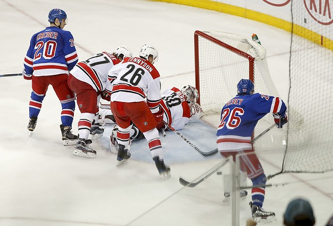 Vesey scores late in 3rd as Rangers beat Hurricanes 3-2