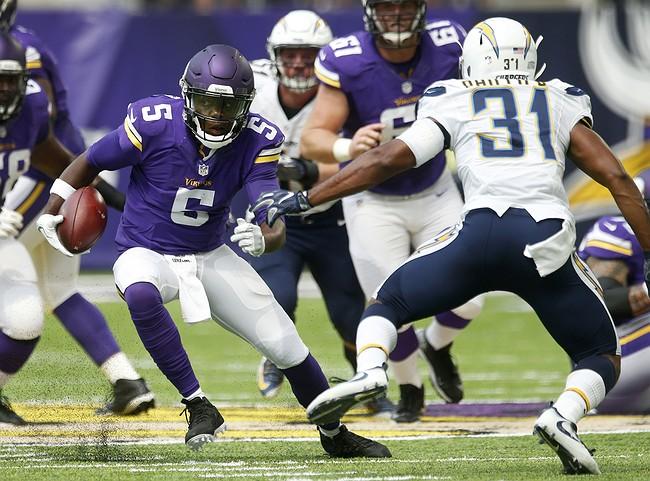 Vikings Qb Bridgewater Has Dislocated Knee Torn Acl