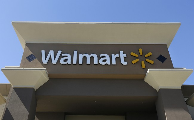 Wal-Mart to face class-action over alleged bribery in Mexico