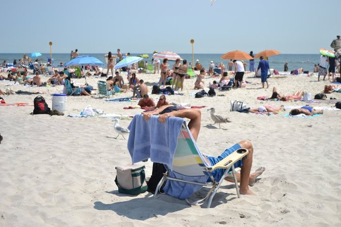 Long Island Locals And Tourists Enjoy A Sunny Day At Jones Beach Photo By Kelly Tenny Via Longisland S Gallery