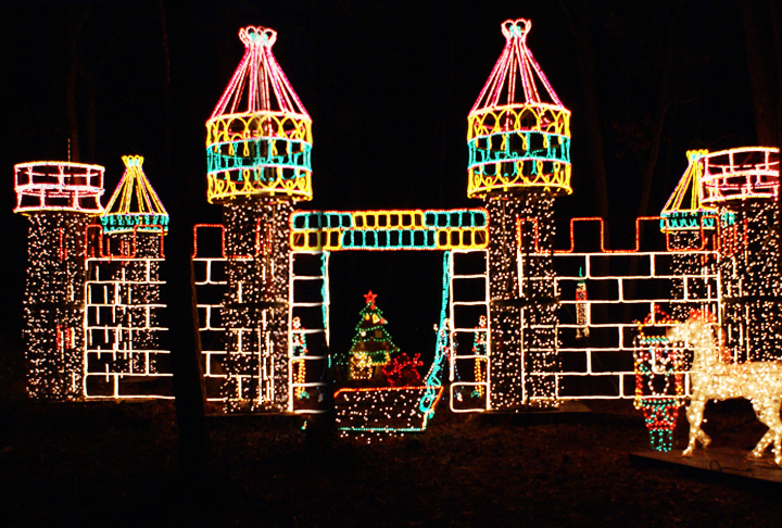 Long Island's Largest Holiday Light Show Shines in Its 10th Year ...