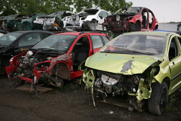 Salvage Yard New York Scraping Car
