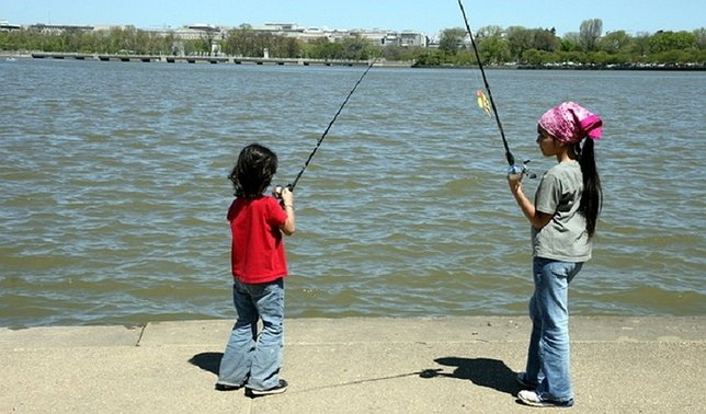 2016 fall freshwater fishing festival at hempstead lake for Age requirement for fishing license