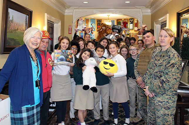 U S Marines Visit Harbor Country Day School To Collect Thousands Of Toys Donated Suffolk County For Tots Program