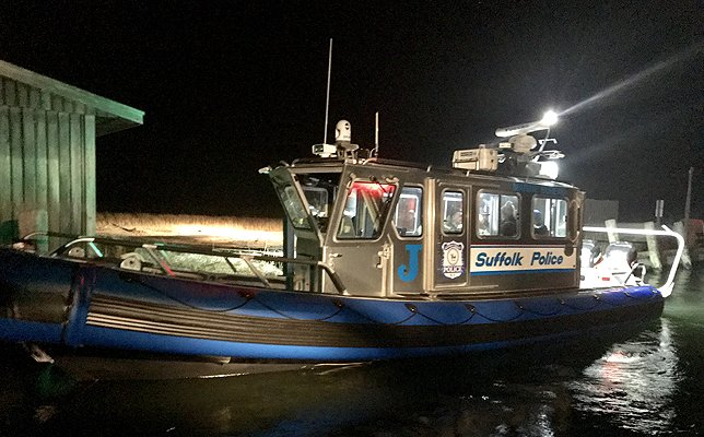 Long Island Bureau.Suffolk County Marine Bureau Officers Assist Stranded Boater