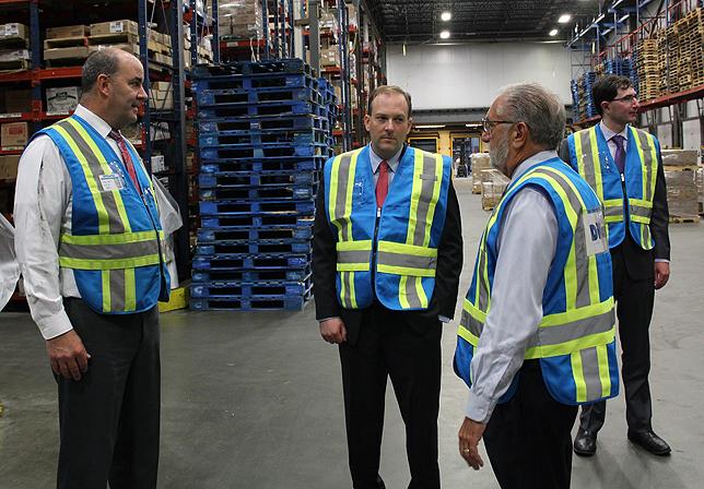 Rep  Zeldin Tours DiCarlo Distributors as Part of NY-1 Economic
