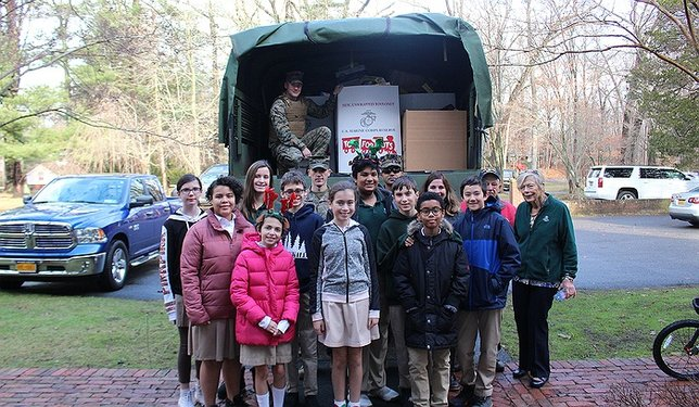 U S Marines Visit Harbor Country Day School To Collect Toys Donated Suffolk County For Tots Program