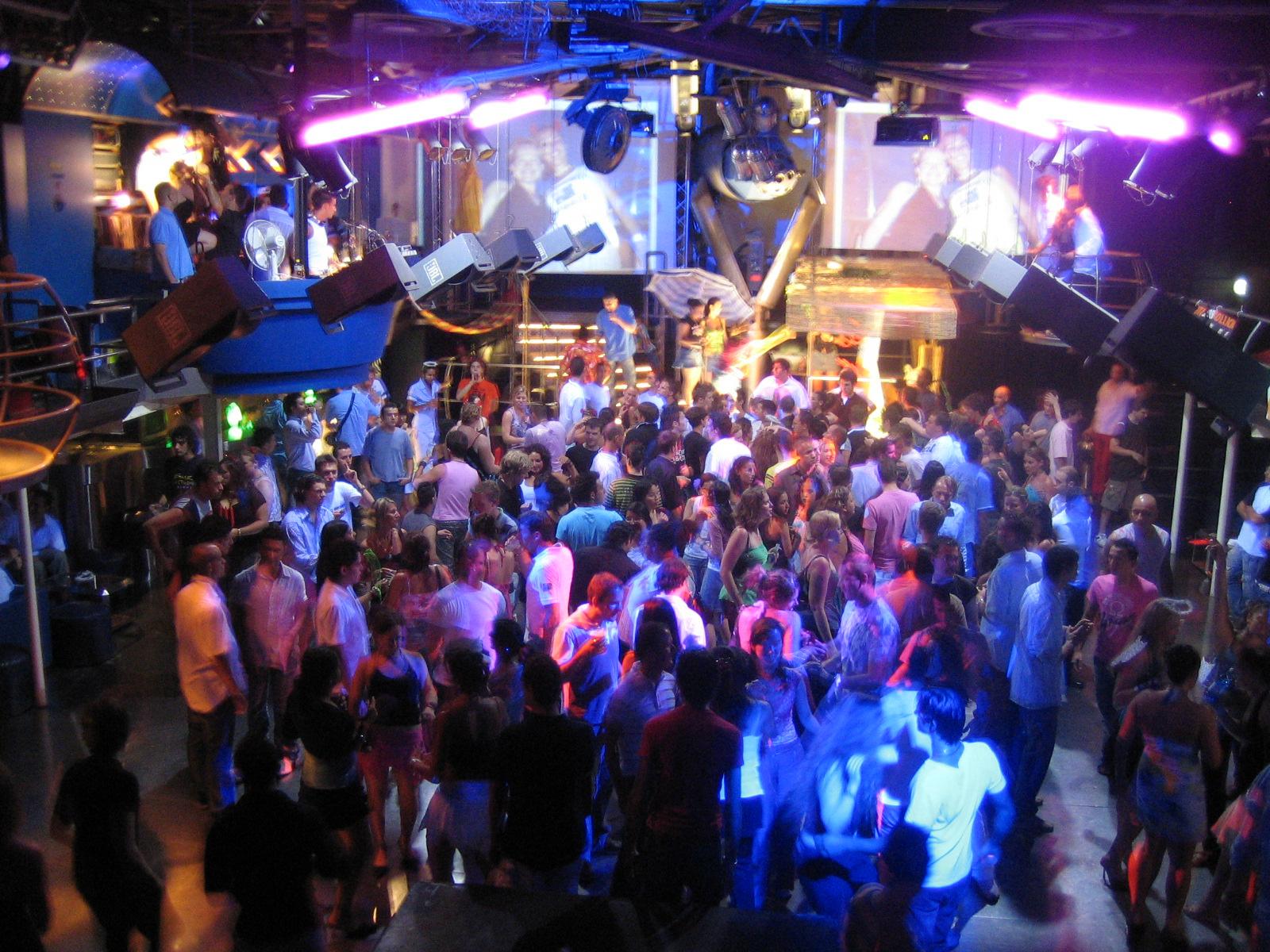 Секс на сцене в клубе пилот мурманск 21 фотография