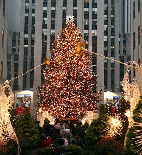 Rockefeller Center Christmas Tree 2013: The 2013 Rockefeller Christmas Tree Lighting: Livening Up