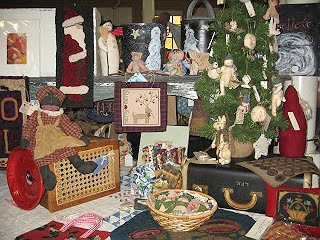 Country parlor holiday folk art gift show for Craft fairs long island