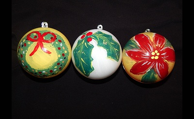 Paint Nite: Holiday Florals Ornaments