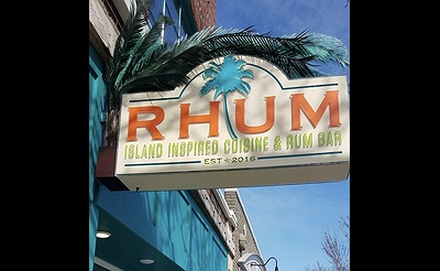 Live Music at RHUM: Acoustic Vibes