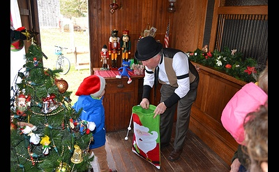 A Christmas Visit with Postman Pete