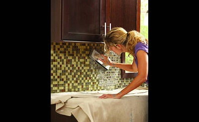 DIY Workshop: Installing Tile Backsplash