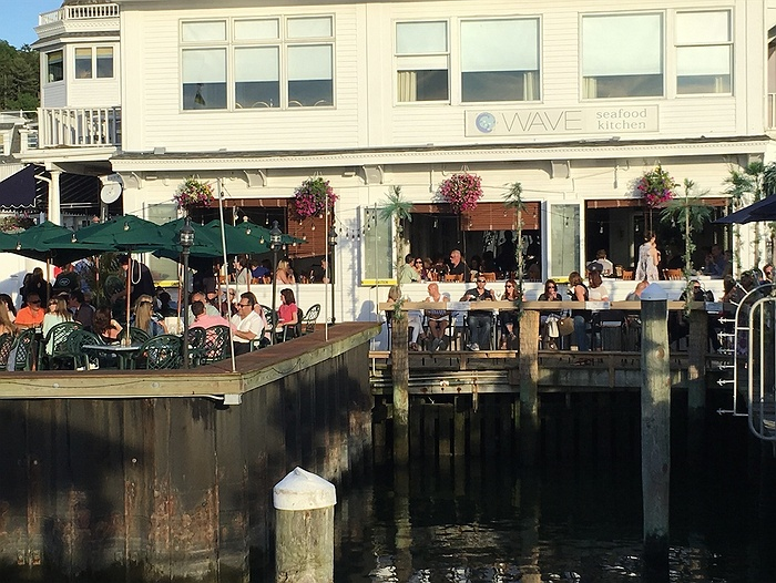 Long Island S Dockside Restaurants Where You Can Get Dinner By Boat Longisland